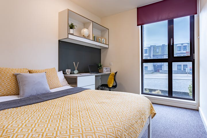 22-student-accommodation-aberdeen-powis-place-classic-ensuite (4)