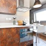 23-student-accommodation-dundee-marketgait-apartments-premier-studio-1