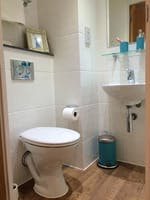 The-Glassworks-Leicester-Premium-En-Suite-Bathroom-Unilodgers-1495869410