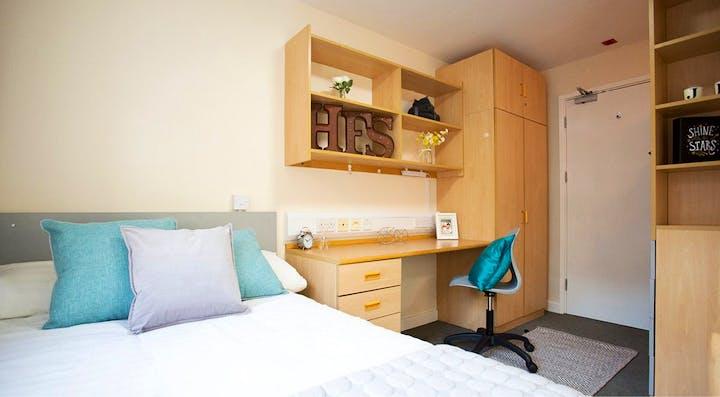 Agnes-Jones-House-Liverpool-Premium-Bedroom-Unilodgers-1495707217