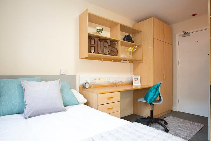 Agnes-Jones-House-Liverpool-Premium-Bedroom--1495707217