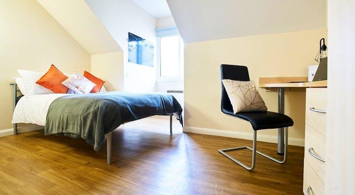 heald-court-bedroom 5 bed ensuite