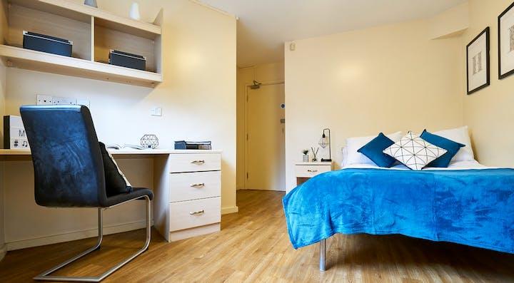 manchester-court-bedroom2
