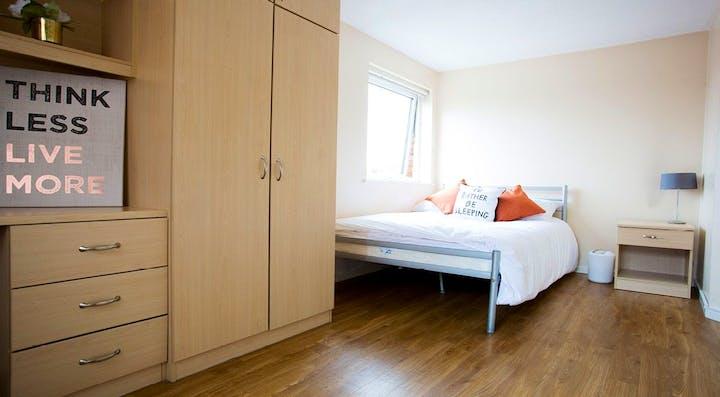 Manchester-Court-Manchester-Classic-En-Suite-Unilodgers-1495803071