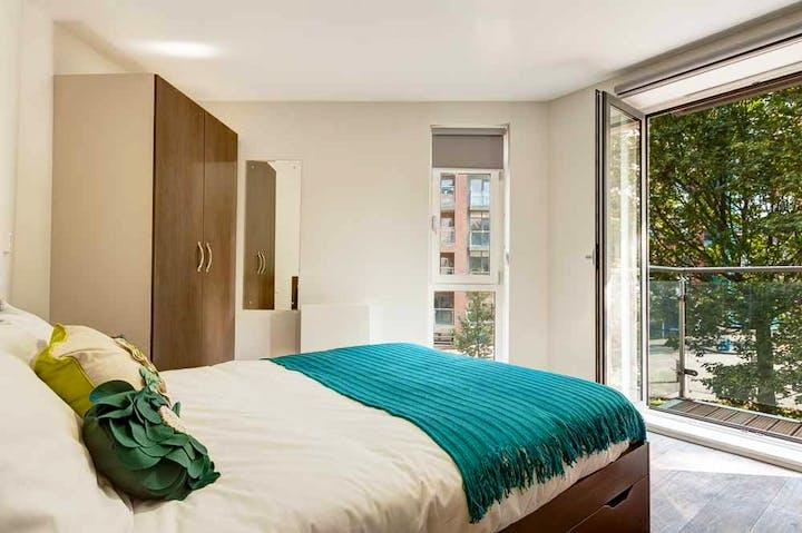 Cornerhouse-Sheffield-Bedroom-Unilodgers