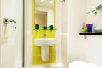 Cornerhouse-Sheffield-Bathroom-Unilodgers