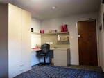 Myrtle-Street-Liverpool-2-Bed-Flat-Bathroom-Unilodgers-14960446182