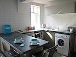 Myrtle-Street-Liverpool-2-Bed-Flat-Bathroom-Unilodgers-14960446184