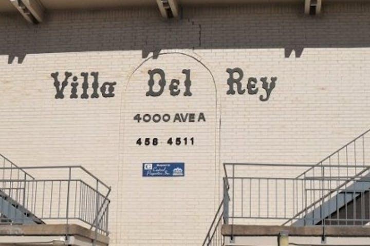 Villa-Del-Rey_Exterior-800x580_0376