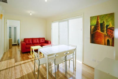 Sunset House - Burwood Student Living