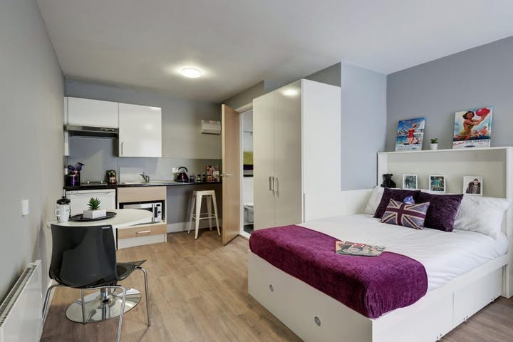 fresh-student-living-chester-tramways-05-silver-studio-photo-02-1024x768