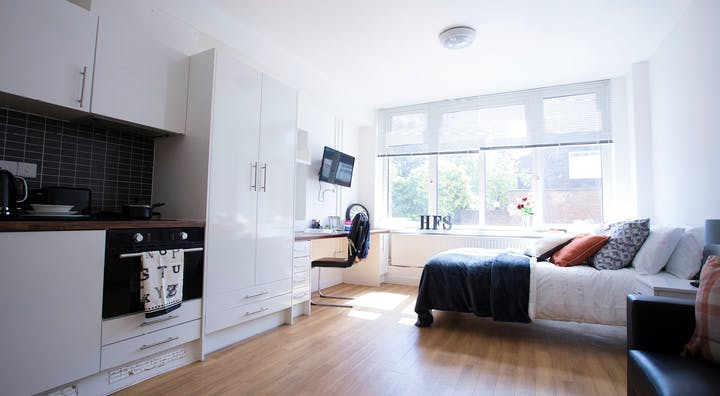 Kensal-Green-Garrow-House-London-Executive-Studio-Unilodgers-1495692512