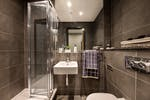 LumisCardiff-Showflat-Ensuite-Bathroom-Mar17