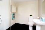 london-stapleton-studio-bathroom