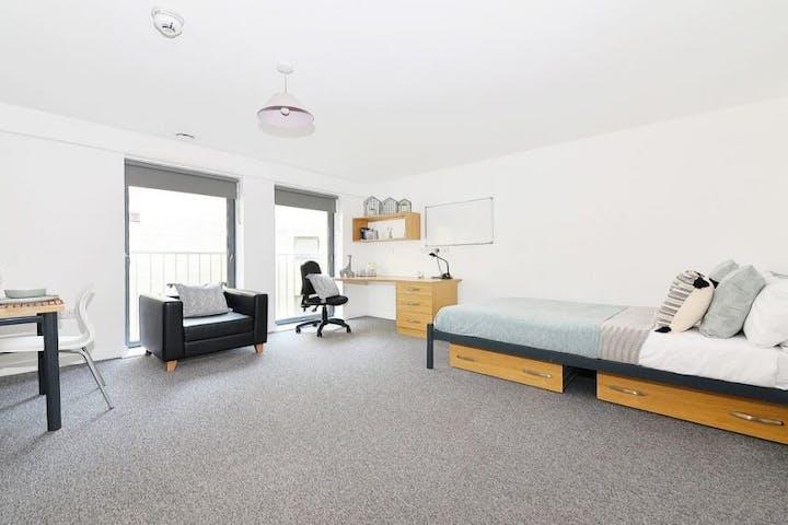 16-student-accommodation-kelvingrove-house-studio-1024x564