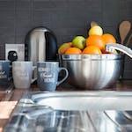surrey-quays-landale-house-kitchen-3