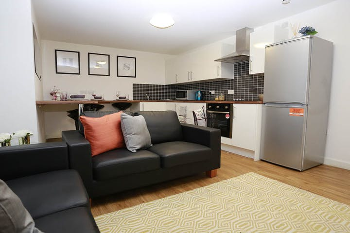 canalside-livingroom-5