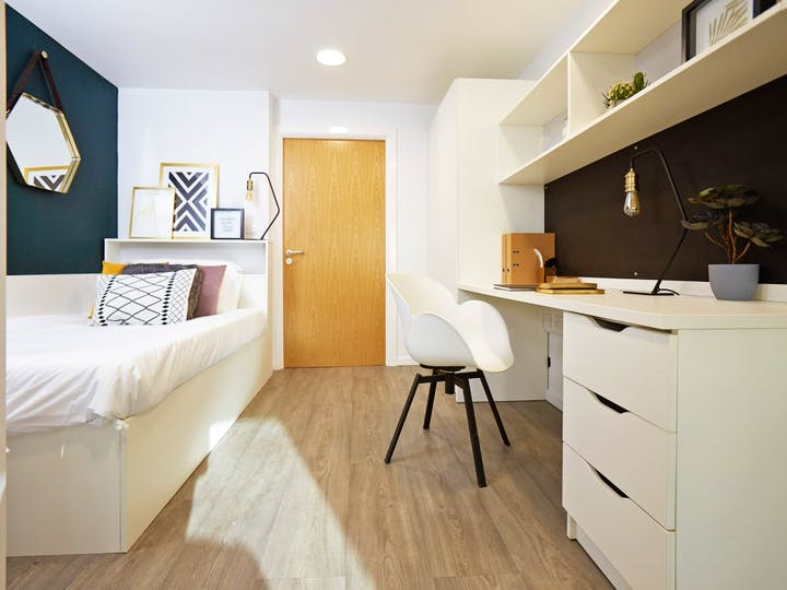 FSL-Bournemouth-Oxford-Point-Bedroom-Low-Res-1024x768