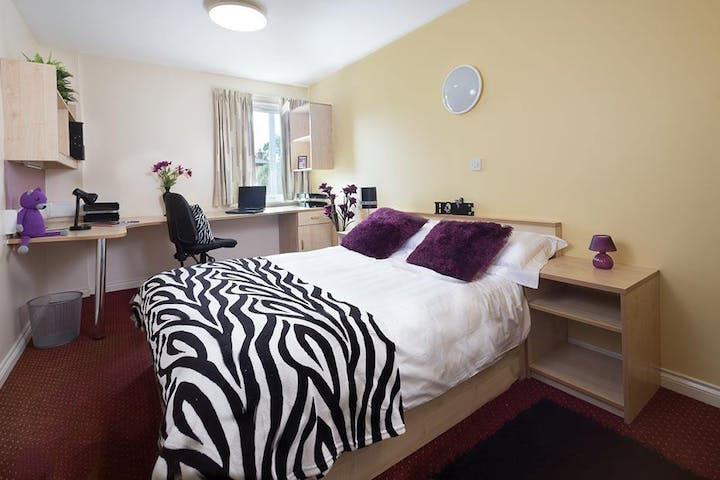 Warehouse-Apartments-Preston-1-Bed-Apartment-Unilodgers-14960594425