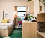 NewportSilverBedroom-600x504