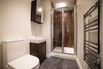 Omnia-RT-bathroom-min-1024x684