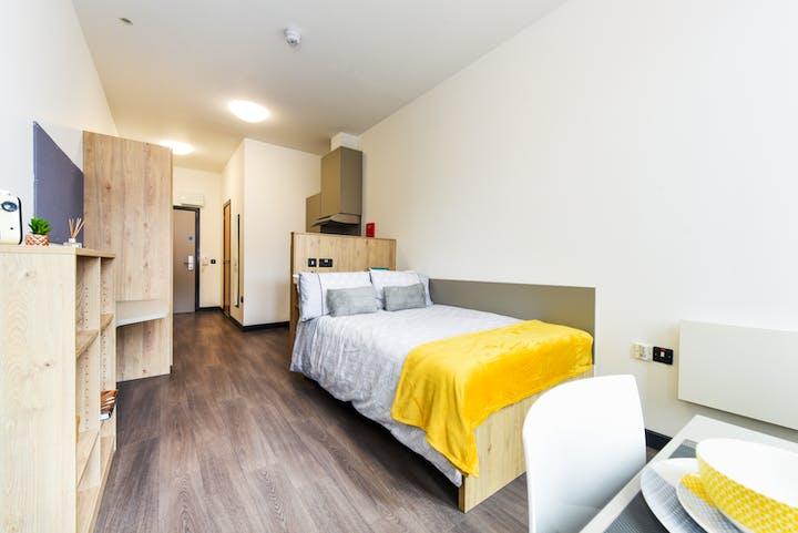 Roost-Belfast-Swanston House-Room3-4