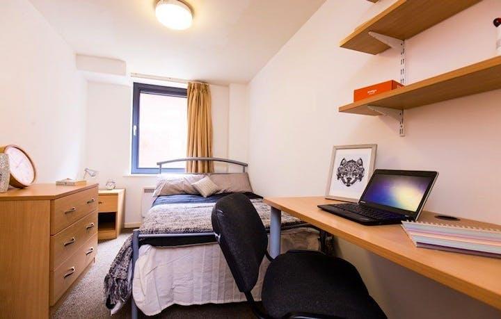 Huntsman-House-Sheffield-Bedroom-Unilodgers-1495803677