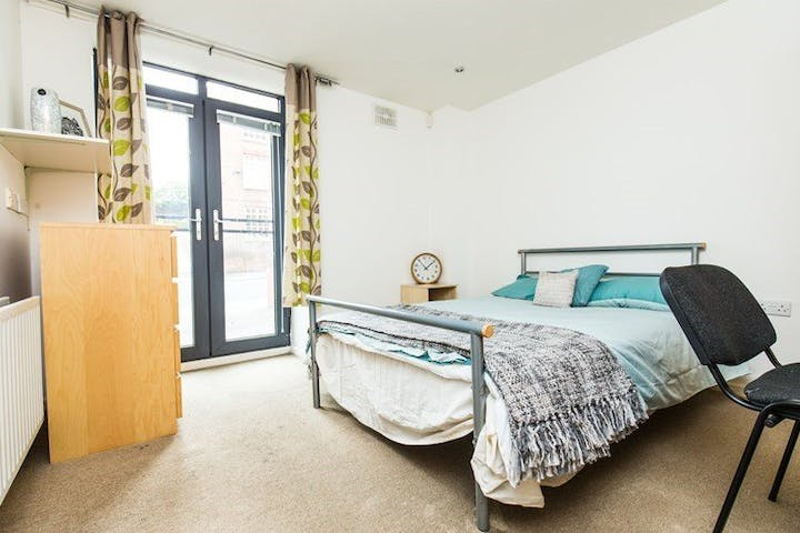 Mary-Page-House-Sheffield-Bedroom--1495864610