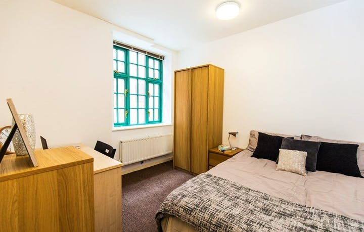 Solly-House-Sheffield-1-Bed-Apartment-Unilodgers-1495870506