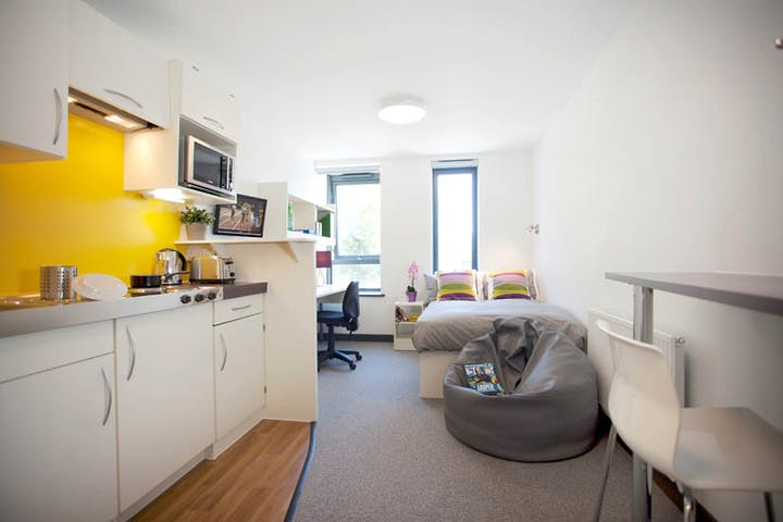 London_student_accommodation_fulham_palace_road_large_studio