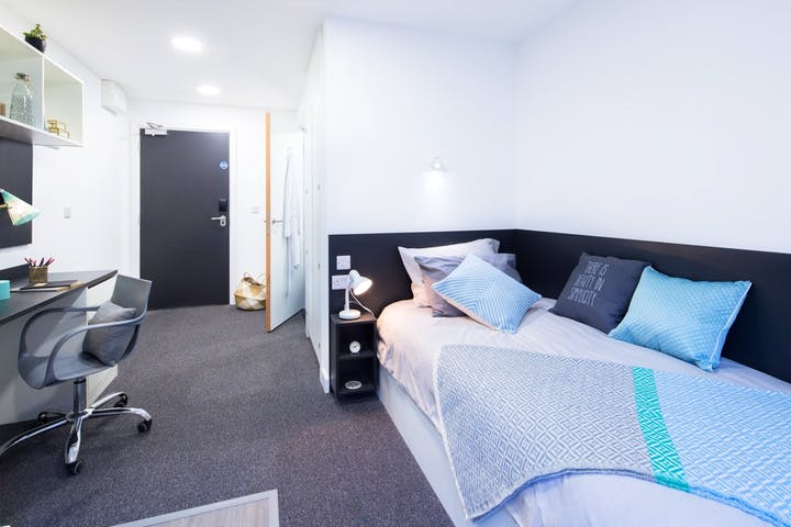 Canterbury-Student-Manor-Canterbury-Studio-Unilodgers-1497680997