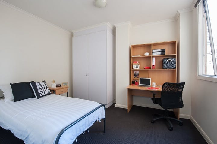 on-Flinders-1-bedroom-apartment