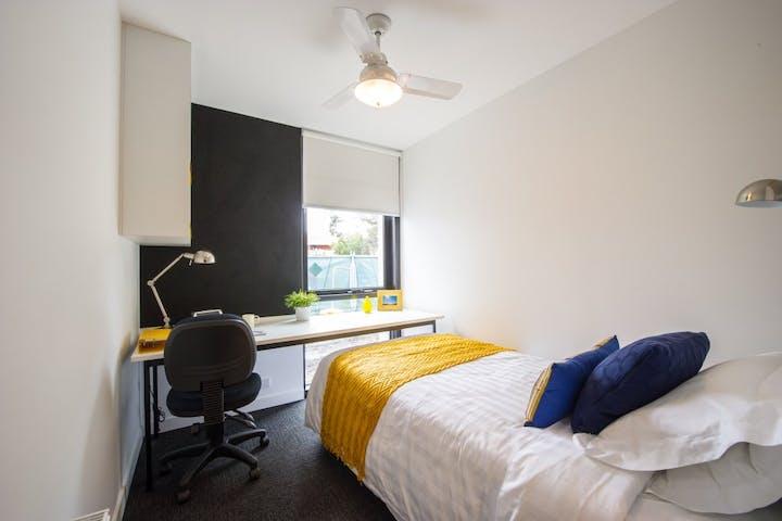 @-VU-6BR-bedroom-UniLodge_2015_Vic_Uni_Melb_098