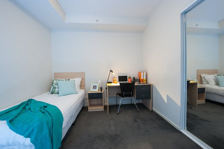on-Lonsdale-2-Bedroom-Large-Apartment-Bedroom-2