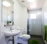 au-canberra-guginya-apartment-5-bedroom-bathroom