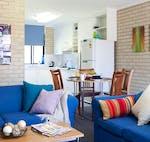 au-scu-coffs-harbour-apartment-4-bedroom-lounge