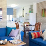 au-scu-coffs-harbour-apartment-4-bedroom-lounge