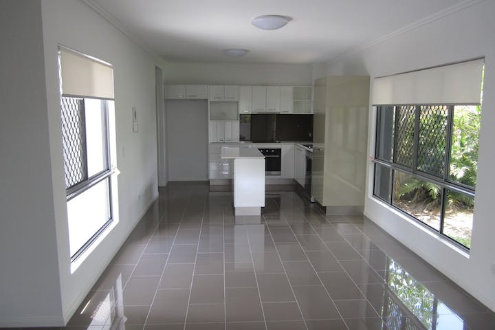 173-Macquarie-St-Living-Area-Kitchen