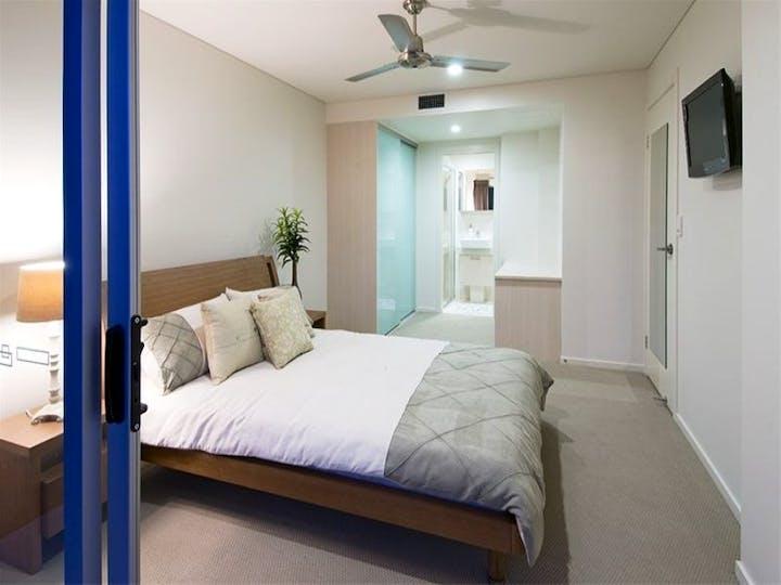 Visage-Bedroom-1