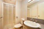 College-House-Bathroom-2-br-small