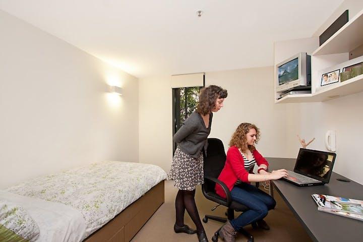 UniLodge-on-Riversdale-bedroom