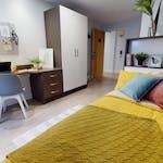 iQ-Student-Accommodation-Birmingham-Penworks-House-Bedrooms-Copper-Studio-Gold_En_Suite
