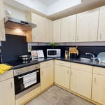 iQ-Student-Accommodation-Dundee-Parker-House-Bedrooms-En_Suite_Kitchen_1_1