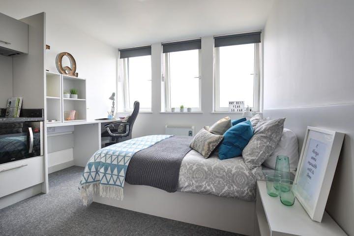 iQ Newland - Bronze Plus Bedroom (11 of 61)_6