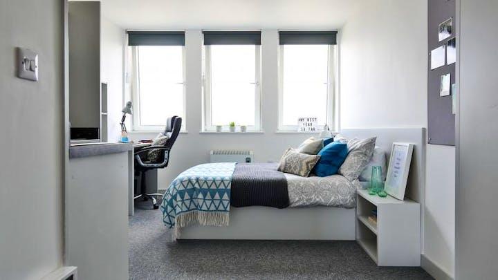 iQ Newland - Bronze Plus Bedroom (9 of 61)_1