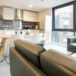 https___api.prestigestudentliving.com_wp-content_uploads_2020_08_21-student-accommodation-straits-manor-shared-kitchen-facilities