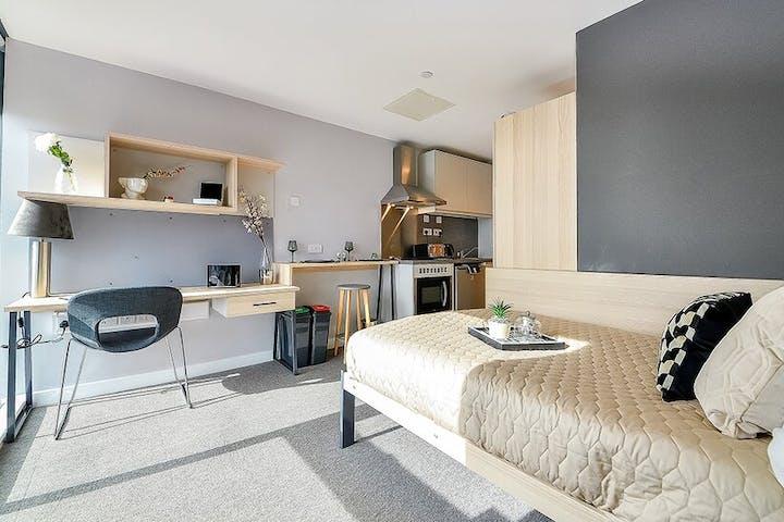 https___api.prestigestudentliving.com_wp-content_uploads_2020_11_student-accommodation-sheffield-straits-manor-premium-studio-5