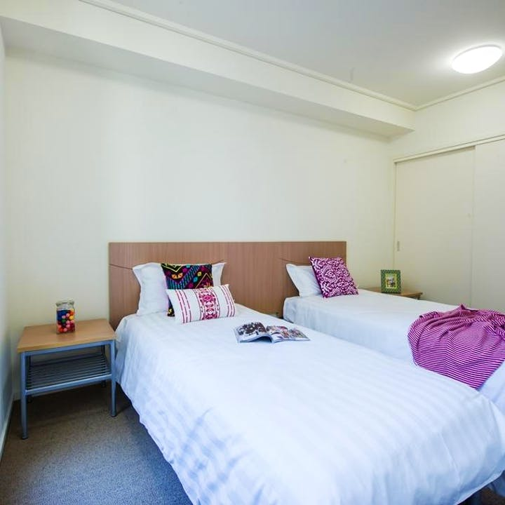 collegesquare-on-swanston-1bedroomapartment-twinshare-bedroom-square