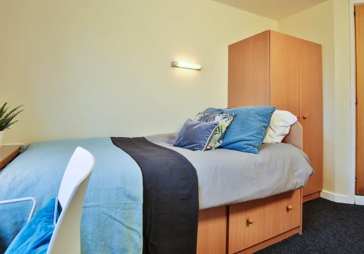 Silver Ensuite - Manchester Gardens (16 of 16)_0