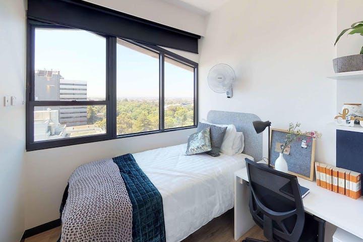 303-royal-parade-studio-twin-bedroom-1-wide-wide